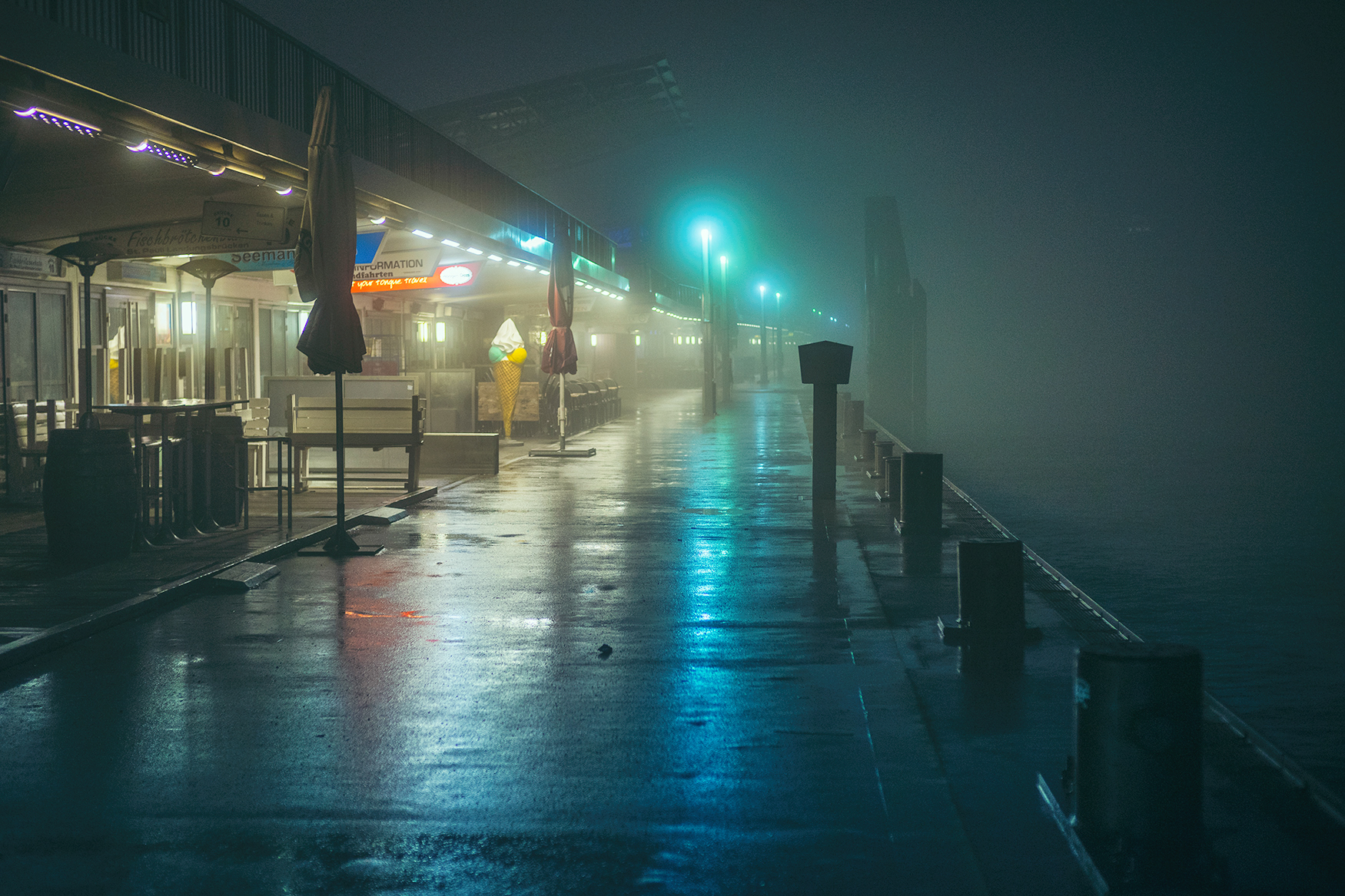 Continuing to explore foggy Hamburg at Night with Mark Broyer