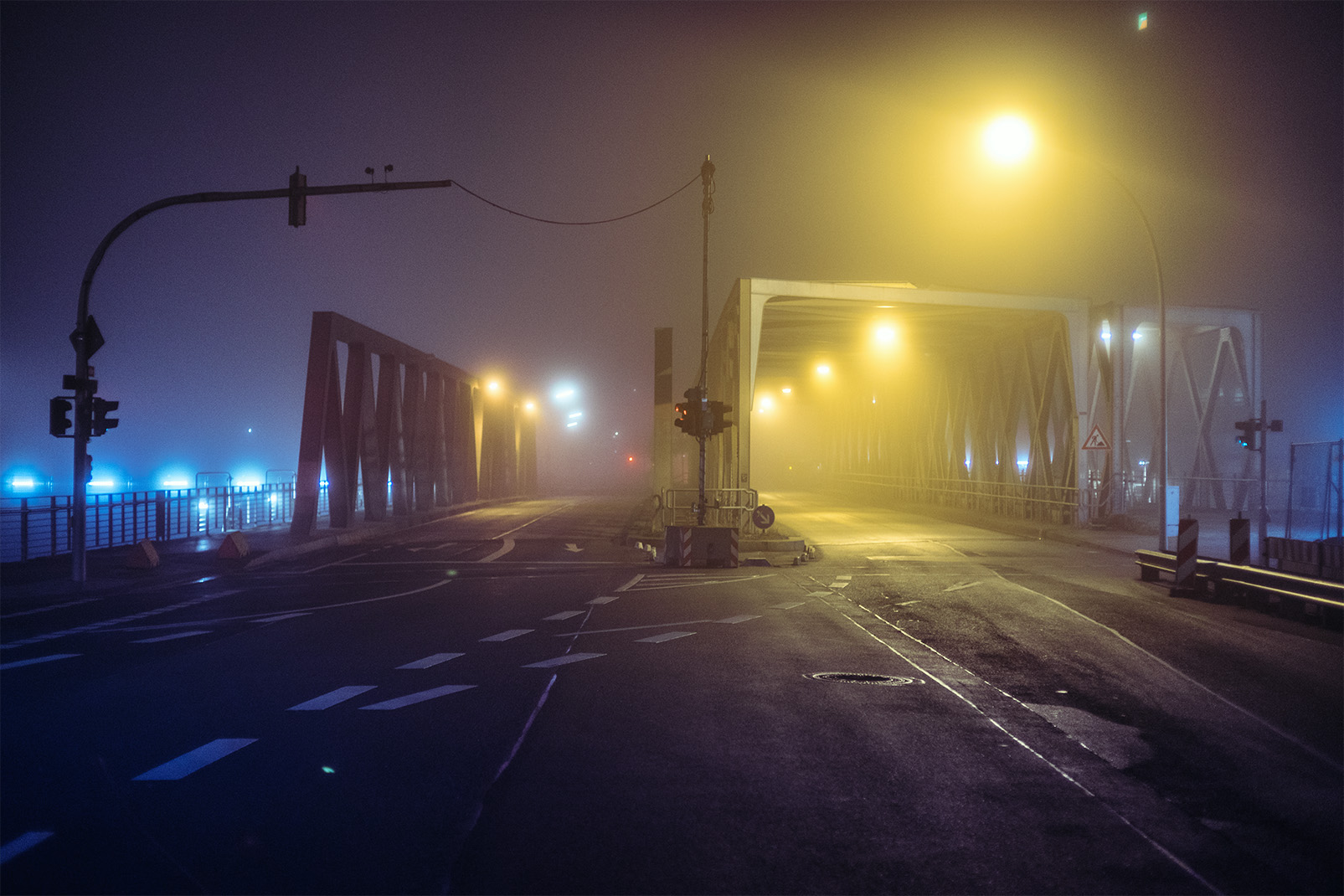 Exploring foggy Hamburg at night: a Photography Series by Mark Broyer
