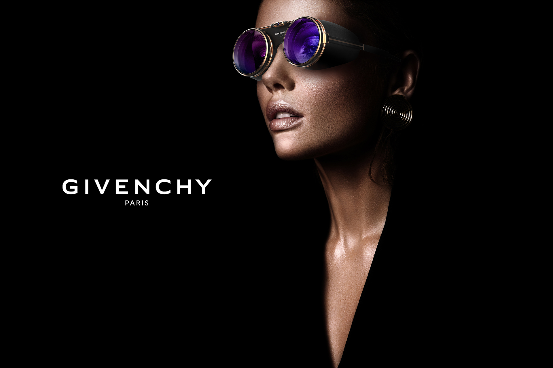 Industrial Design: Givenchy VR Concept