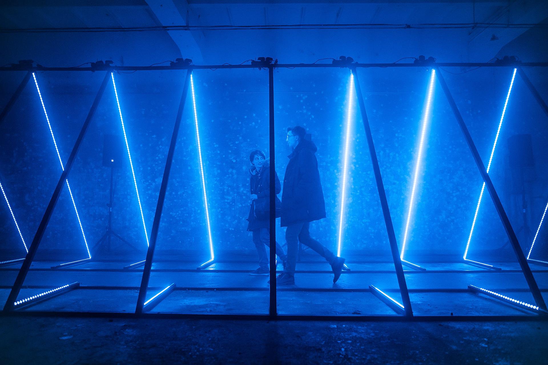 TRIANGLED: Immersive Light Installation - Set Design