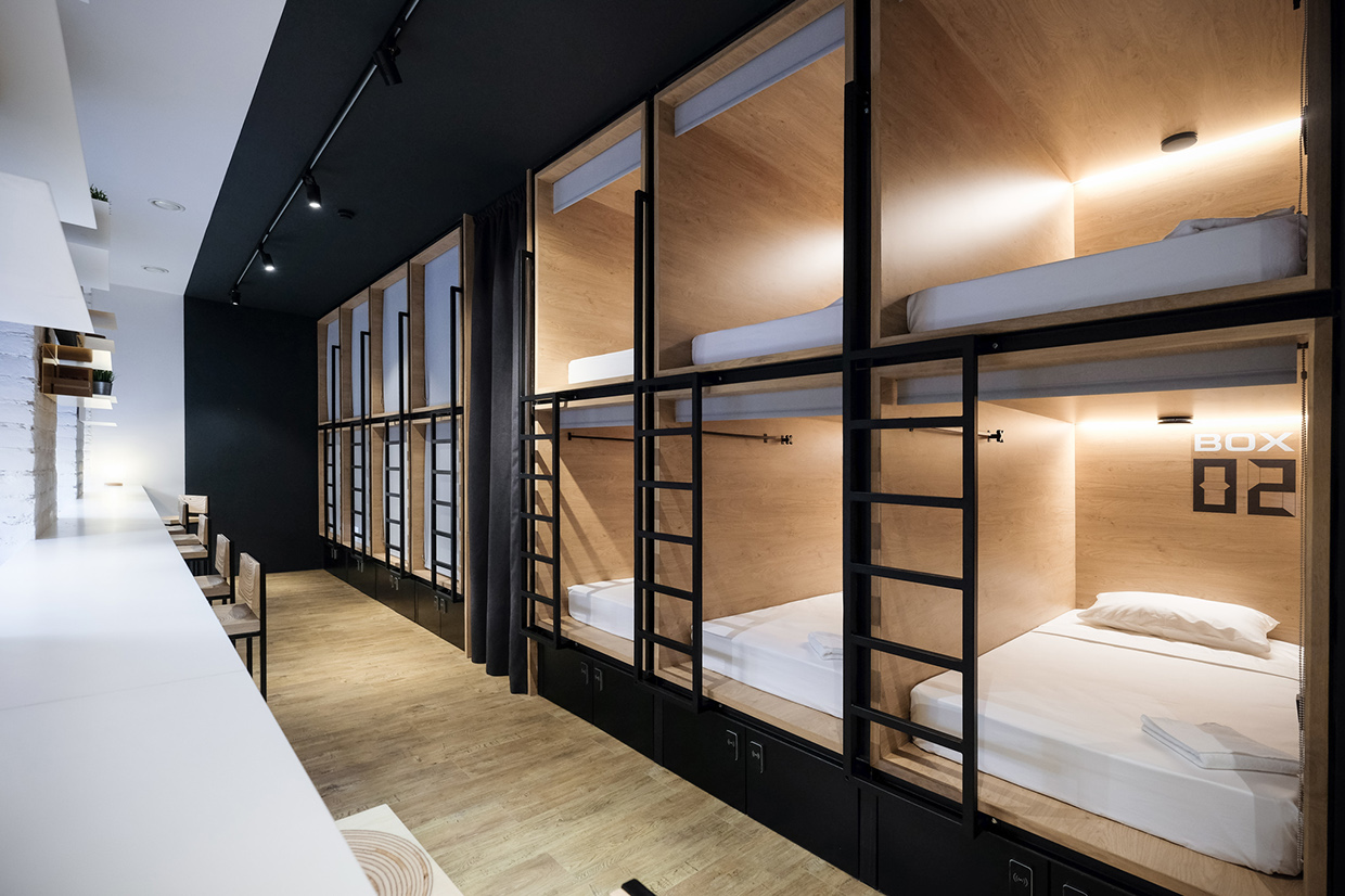 In box capsule hotel for Modern hostel building design