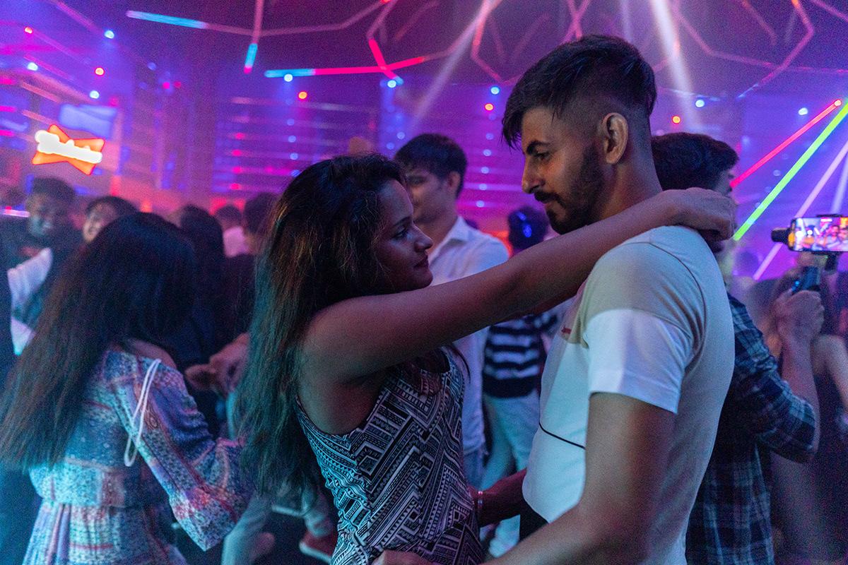dj clubs pubs saturday night party Fun DANCE
