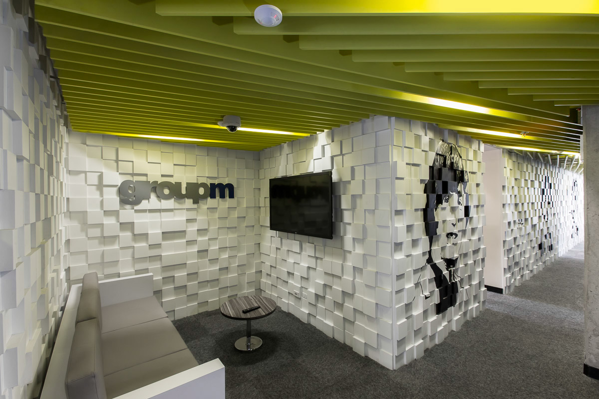 Groupm colombia 39 s offices in bogot on behance for Oficinas de arquitectura