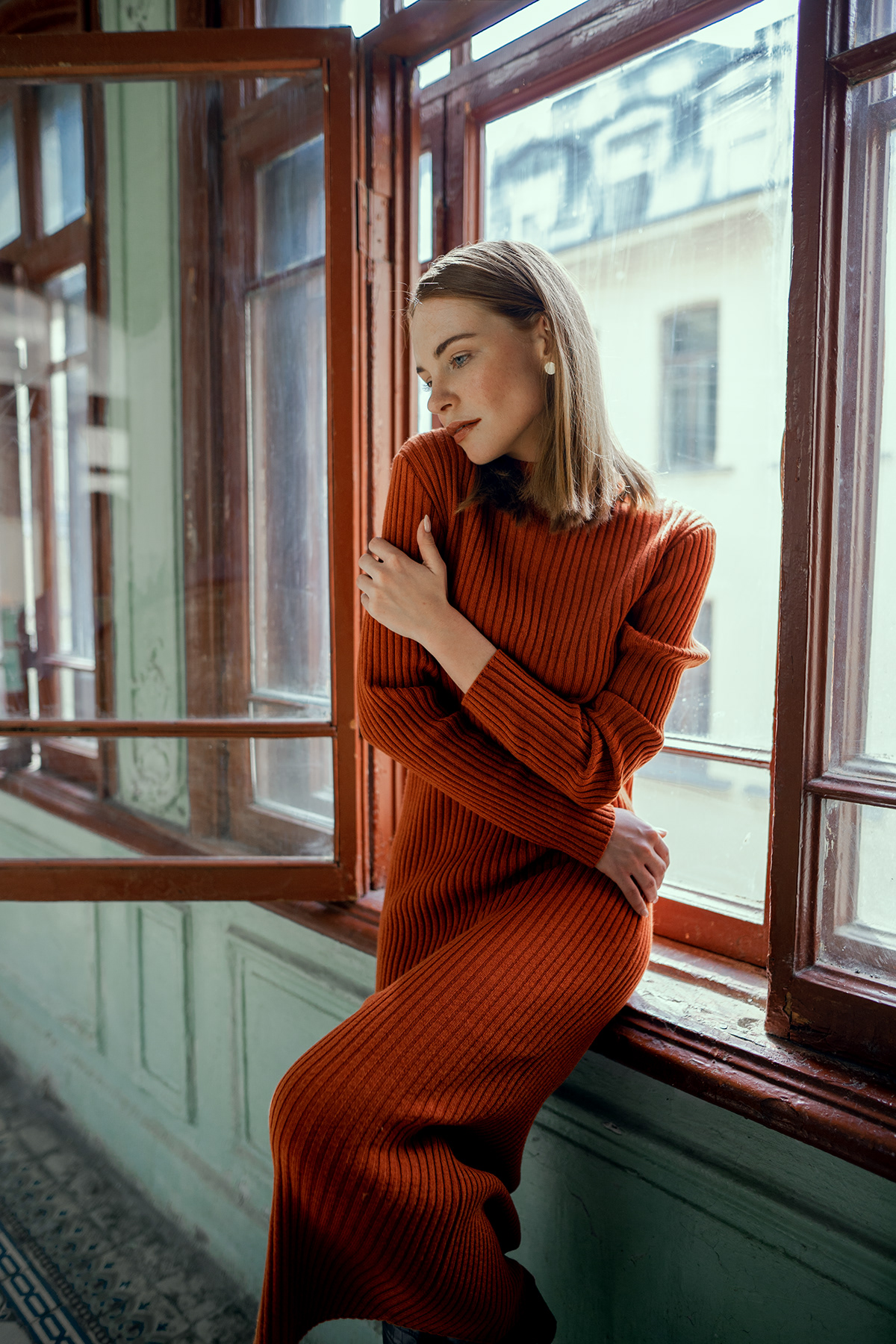 35mm clothes commercial Fashion  Lookbook Natural Light portrait sigma sony a7 ii studio