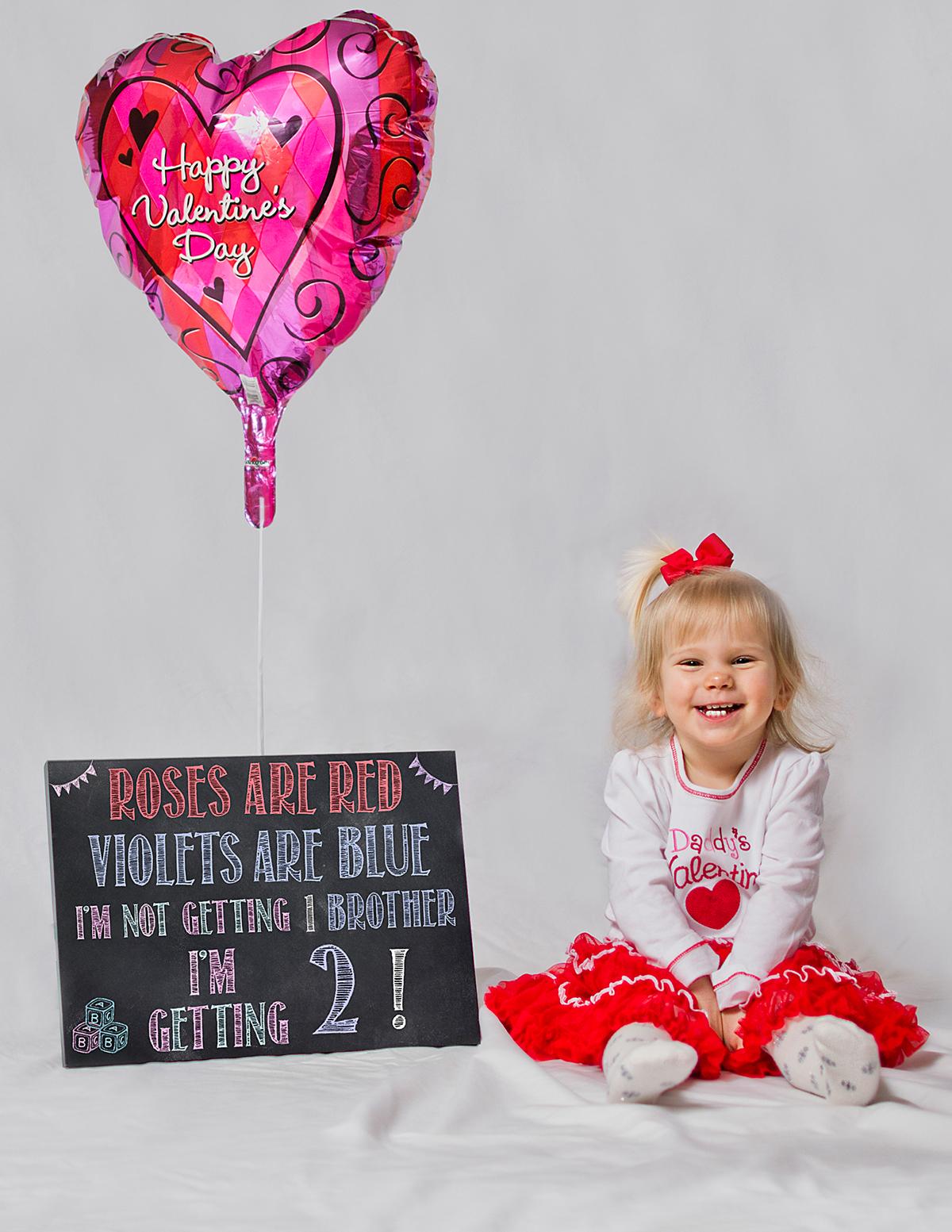 GenderReveal Twins baby Babyannouncement announcement family portraits PortraitPhotography chalk Chalkboard Chalk art chalkboard Art