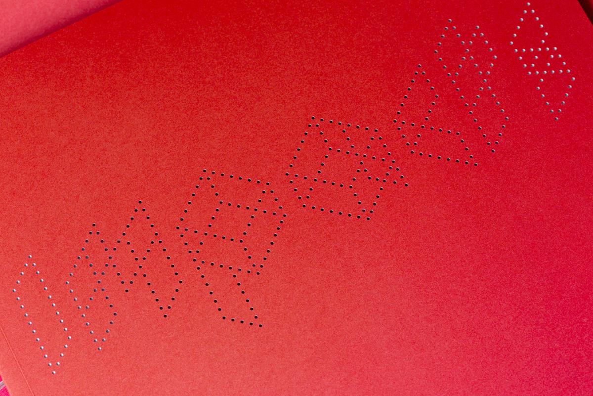 edition Typographie design fluo perforation laser orange pink rose