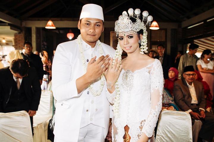 Alam wisata cimahi wedding dress