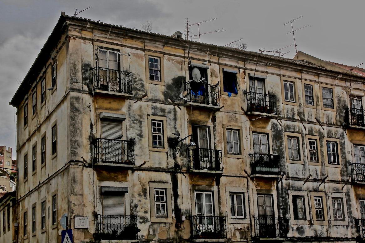 Alessandro Zir Lisbon Portugal Brazil Luso-Brazilian Encounters A/Z flaneur facades ruins architecture