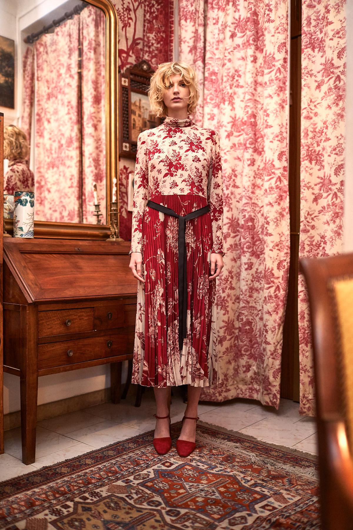 editorial fashion editorial magazine blond model valentino france couture