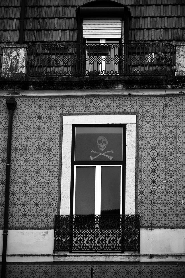 Adobe Portfolio dark black blackandwhite Lisbon Portugal Travel cemetery death
