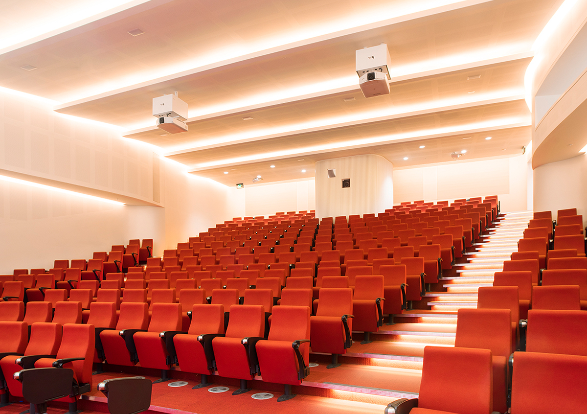Swinburne University AMC Building Lecture Theatre on Behance