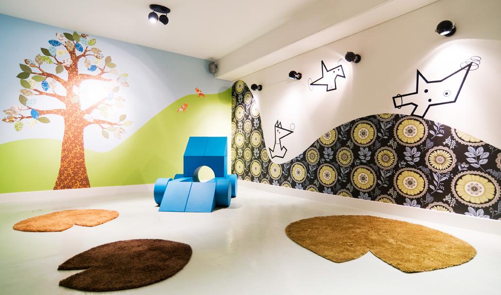 Blooming hotel Bergen The Netherlands Hospitallity Casa Kubaa Wallstickers Lily leaves playmats coatstand bench
