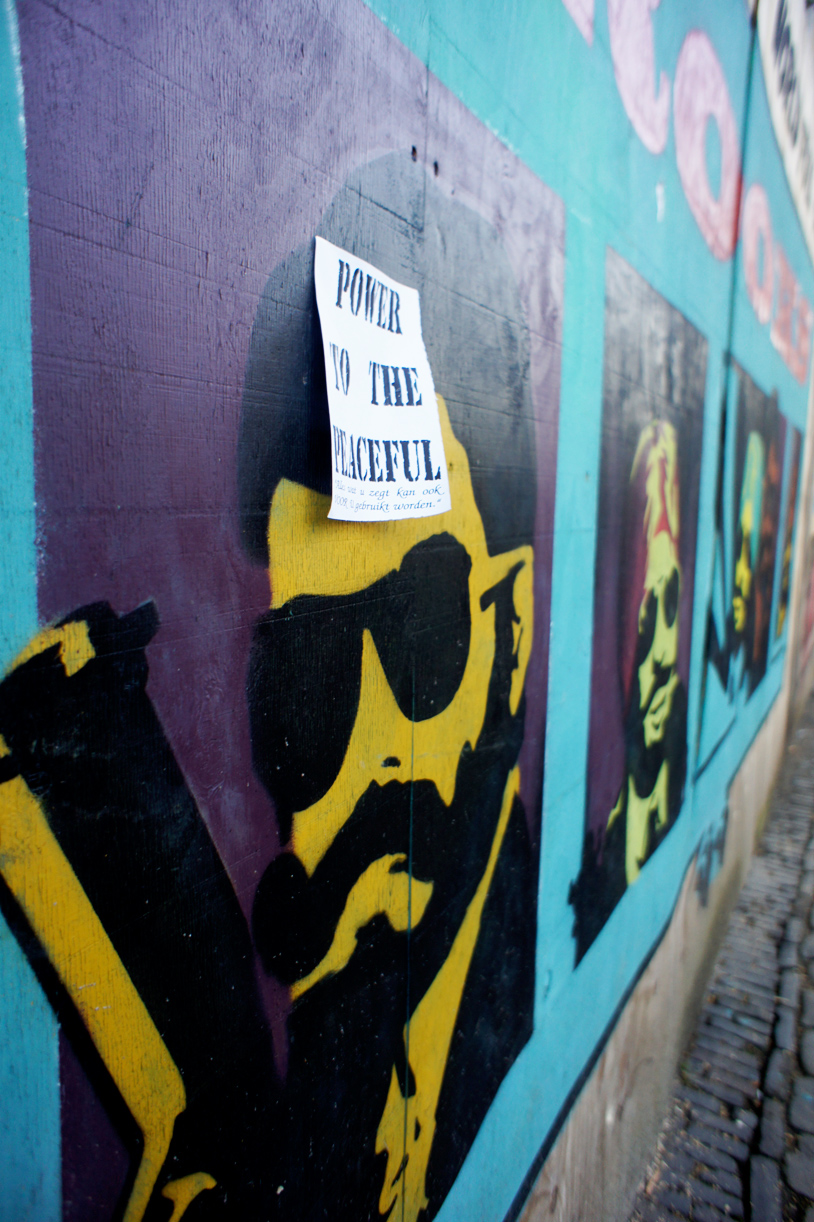 Graffiti wall utrecht - 150 M Painted Comic With Logos Typography And Art For The University Utrecht Drift Centre Of Utrecht