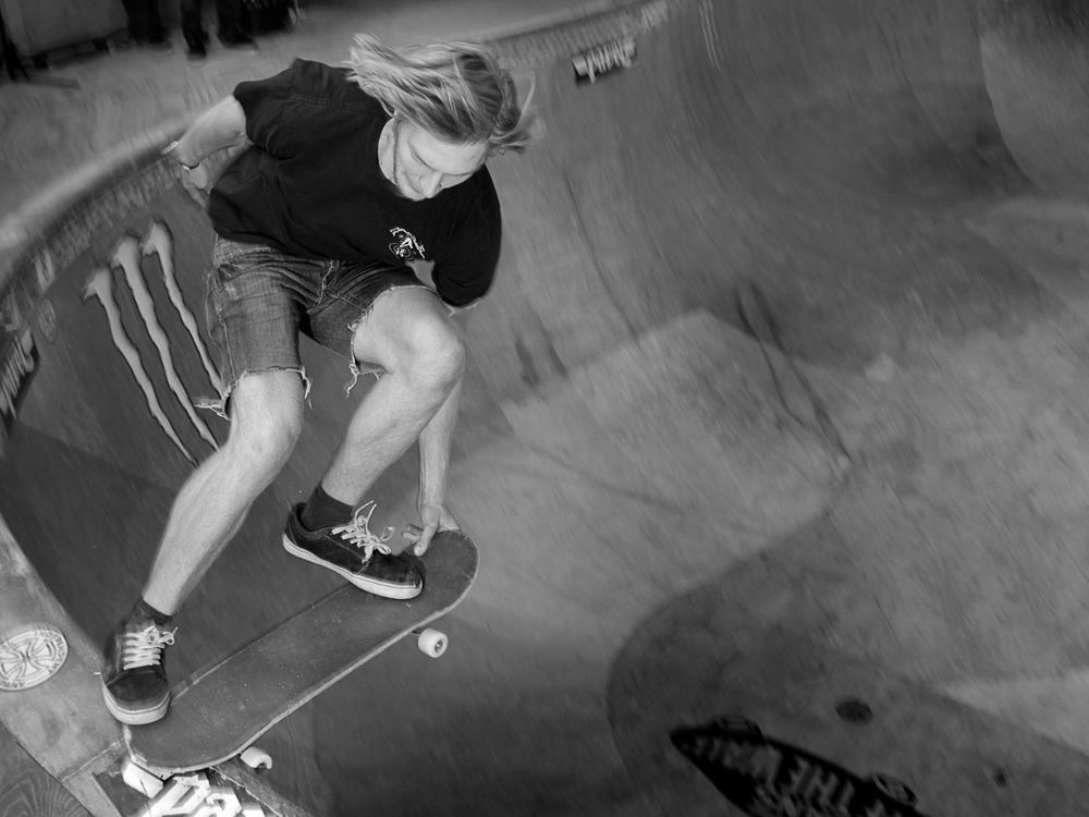 OMSA BOWL Peek pavel skateboarding