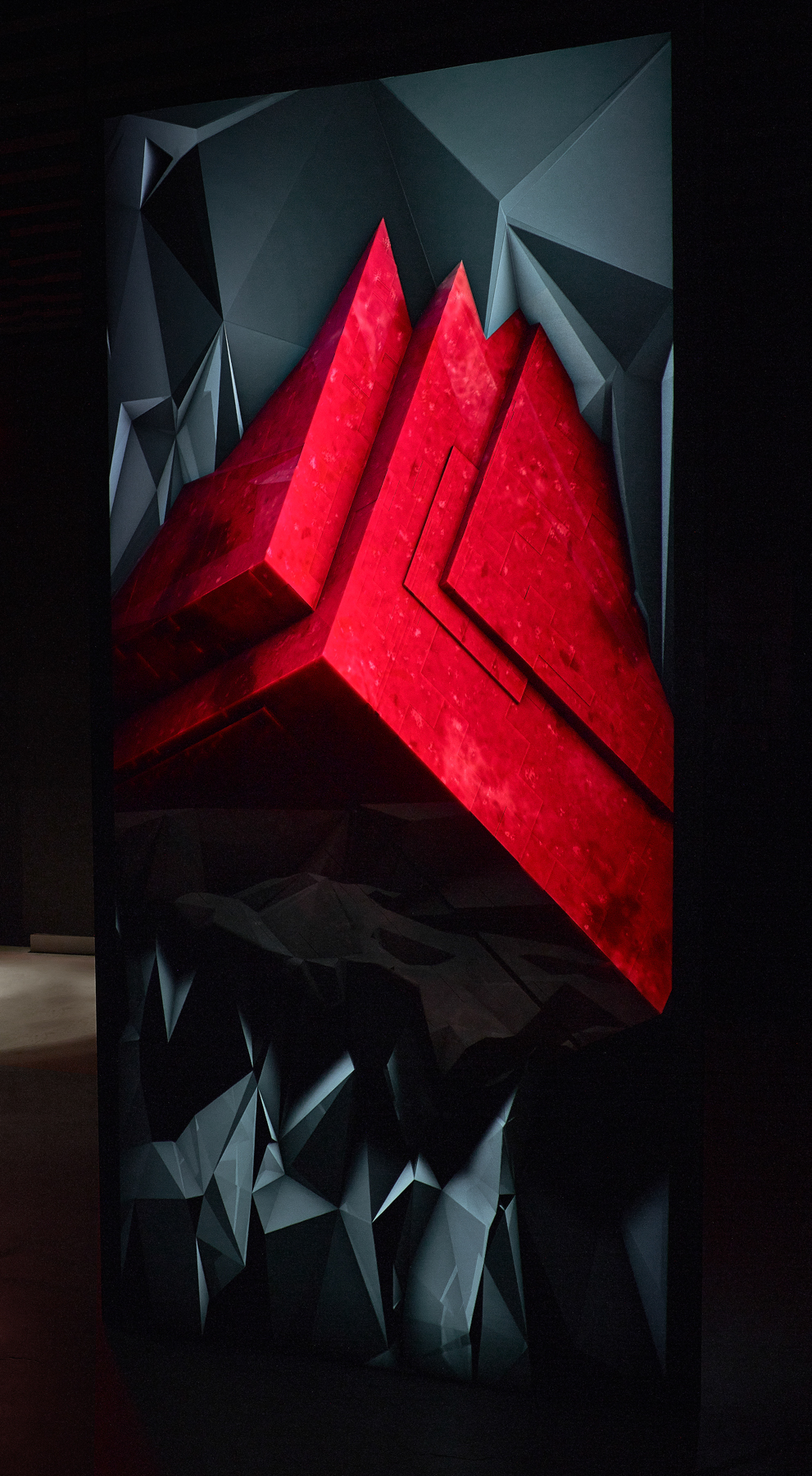 Cavity New York RH Contemporary projection projection mapping vvvv processing cinema4d augmented augmented sculpture print c-print generative geode