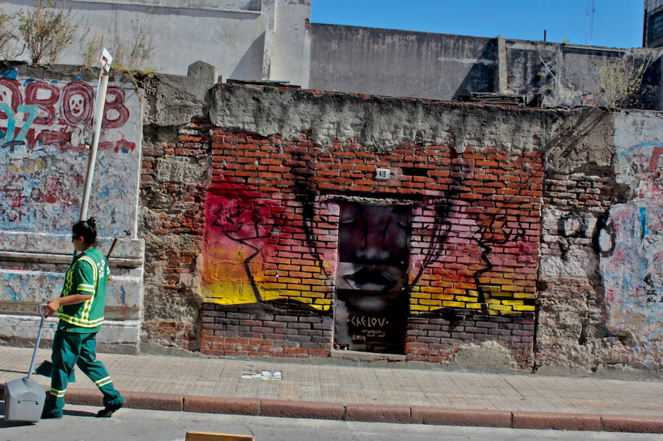 Montevideo uruguay Colonia del Sacramento A/Z flaneur Street Art  urban graffiti Kilroy warhol Rosalind Krauss