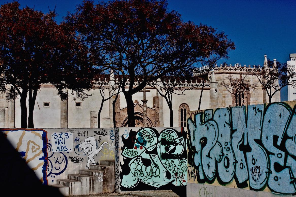 Portugal Brazil Lisbon Graffiti Street Art  A/Z flaneur Kilroy warhol Rosalind Krauss