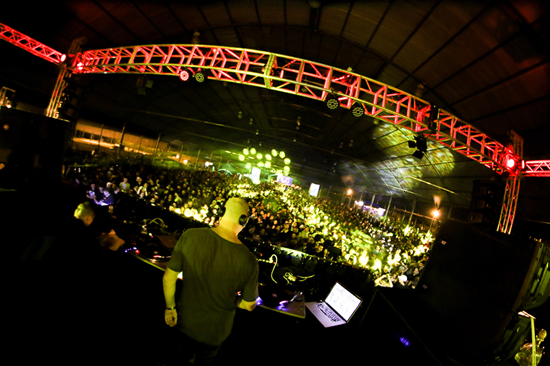 MARCO CAROLA AT THE COLOSING CALI  on Behance