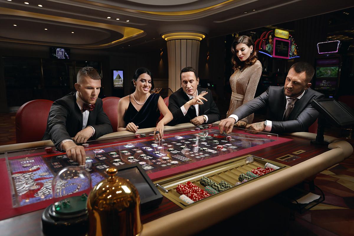 фото Много рекламы казино почему так