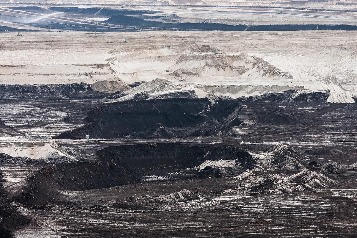 Landscape industry artificial machine coal rock