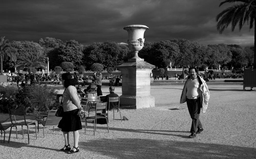jardin luxembourg black White