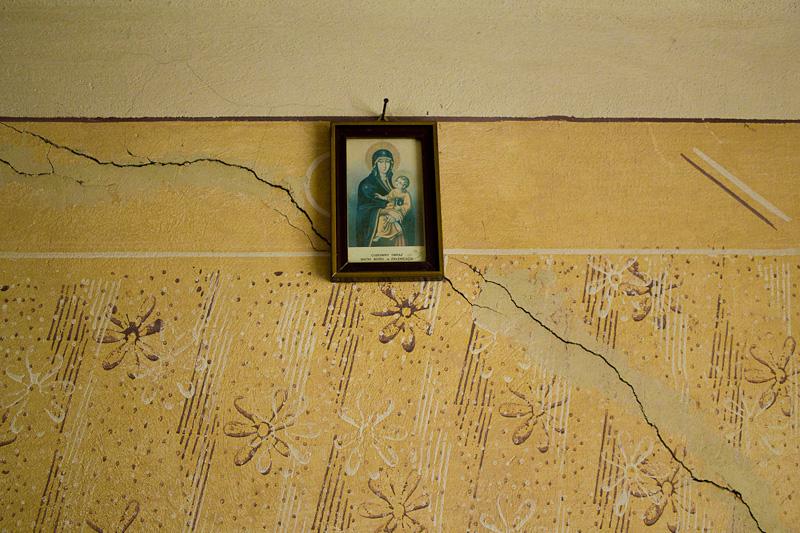 dom stary wies house old szafa klimatyczny wspomnienia tajemniczy rysa