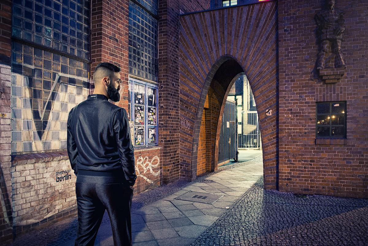 photomanipulation berlin Arys models tracksuit