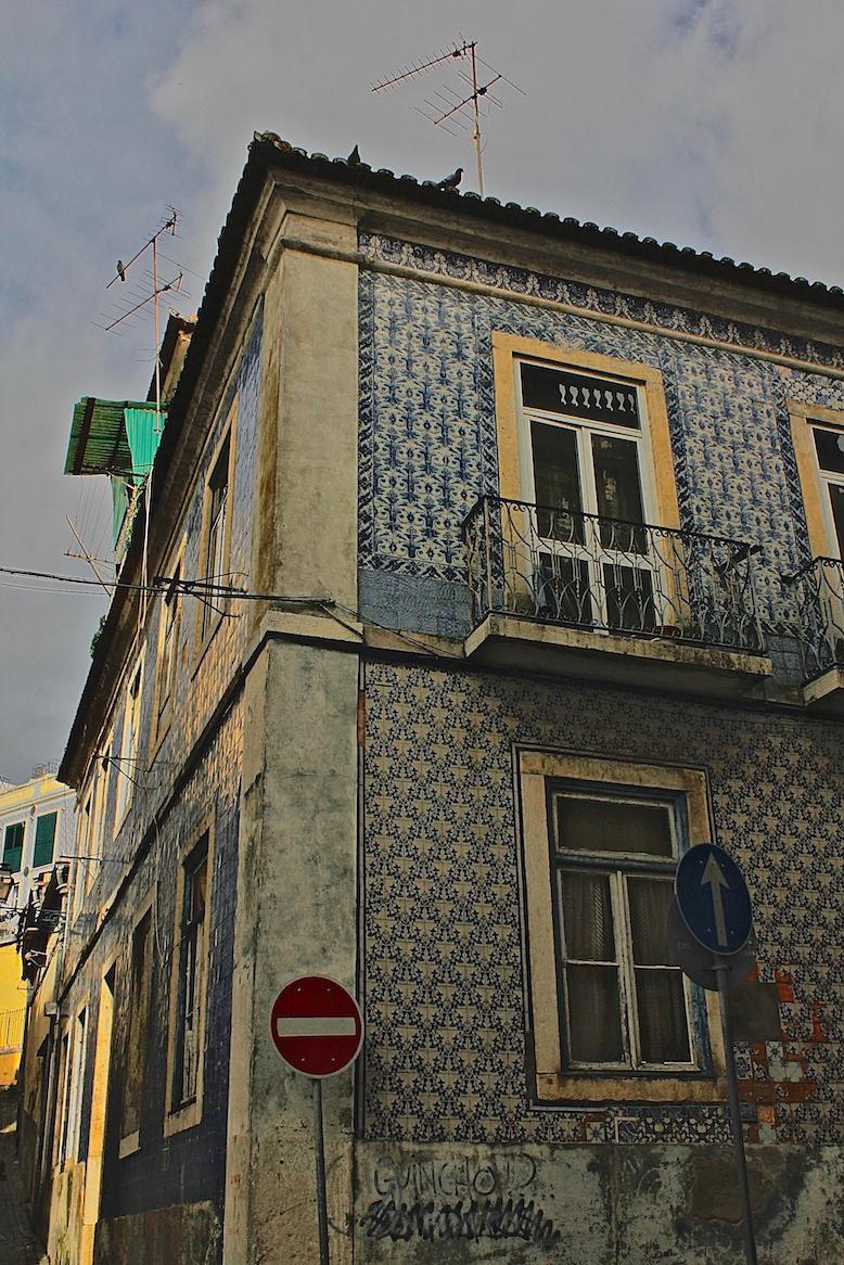 Alessandro Zir Portugal Brazil Luso-Brazilian Encounters Lisbon A/Z flaneur facades ruins architecture