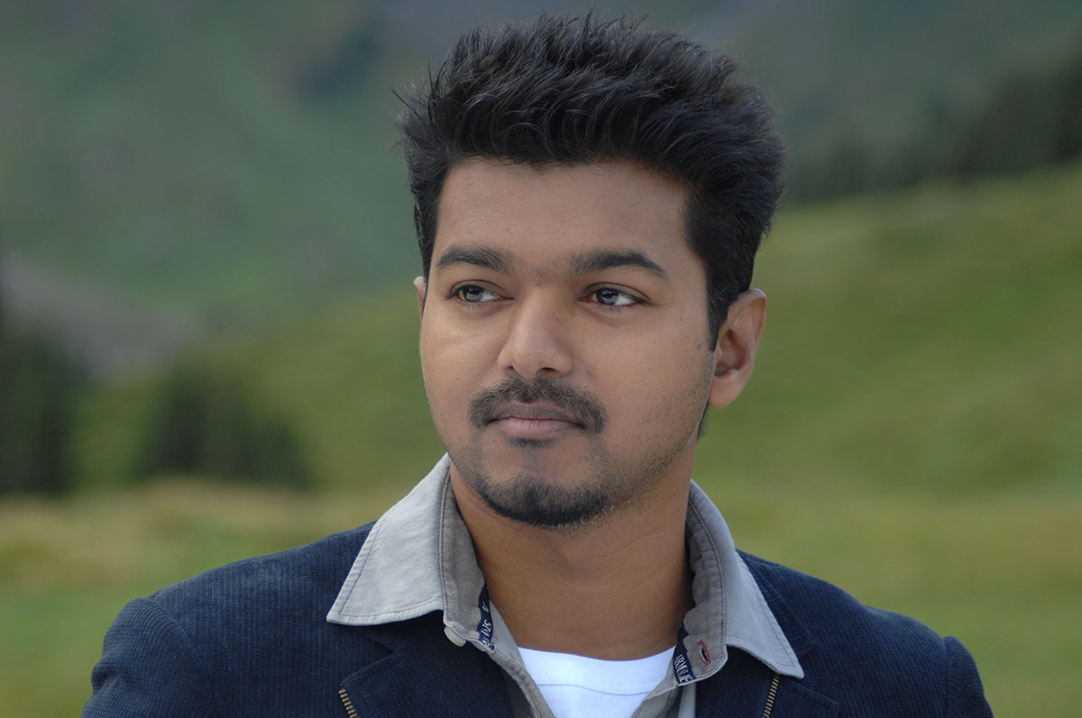 Actor Vijay Second Retouch On Student Show