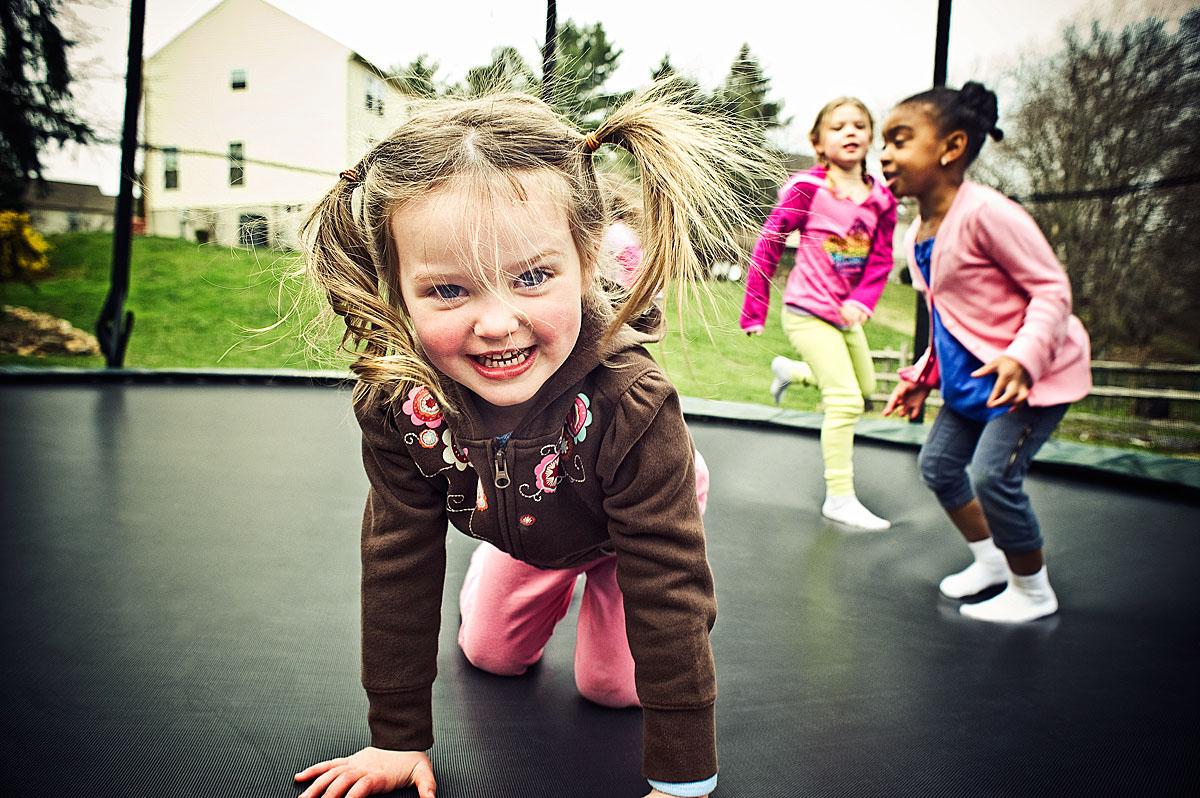 Bellissime immagini di bambini che giocano easyprint blog - Immagini di cicogne che portano bambini ...