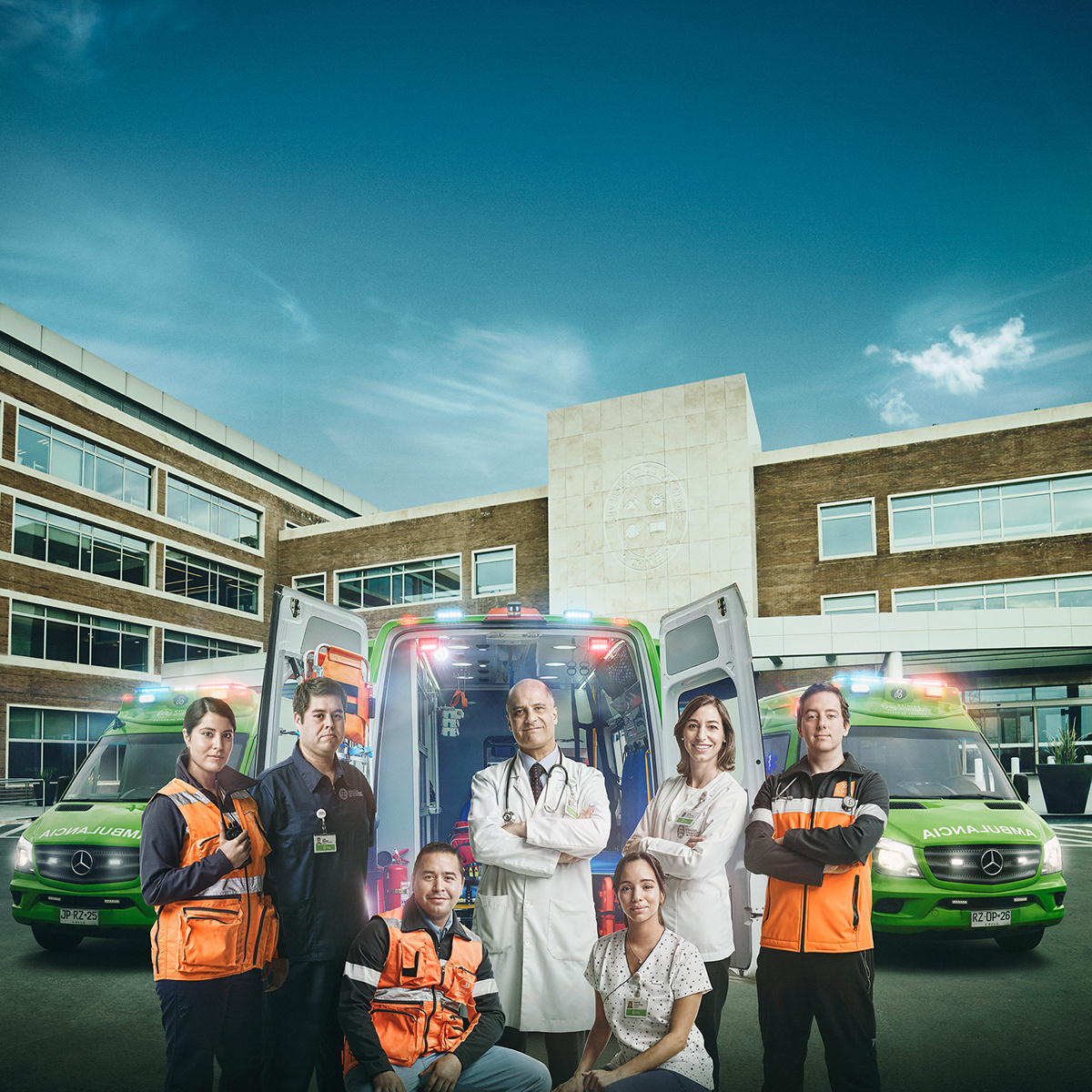 photo,retouch,Advertising ,Medical Clinic,University,chile,armstrong,doctor,ambulance,rescue