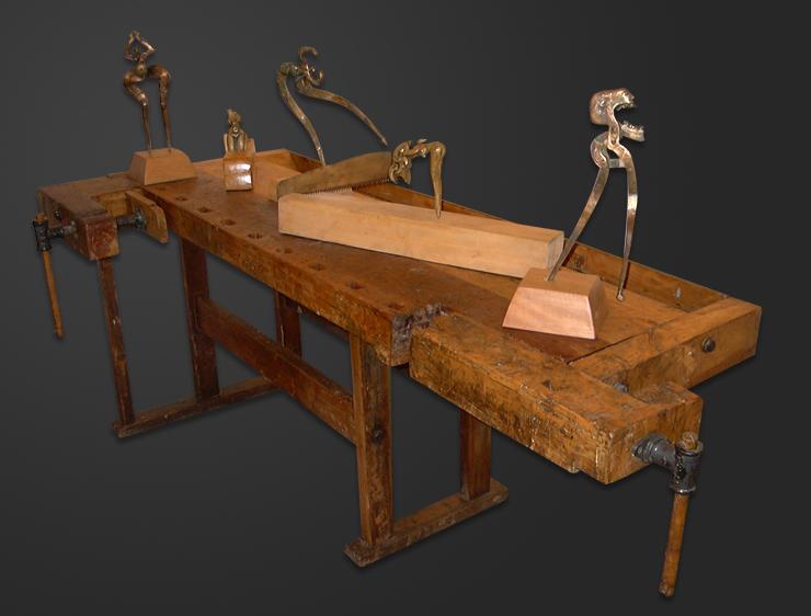 bronze tool carpenter Functionable nu figure