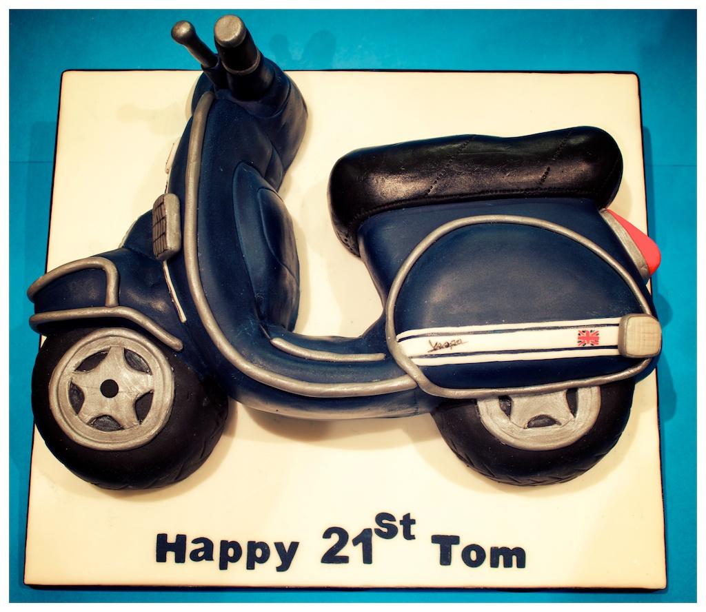 Andrea Hillman Vespa 21st Birthday Cake