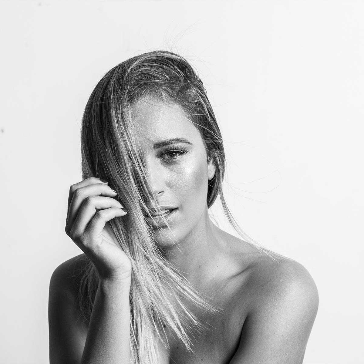 light lightning test hair nude soft clean minimalist Brazilian blonde artistic art pb bw Monochromatic