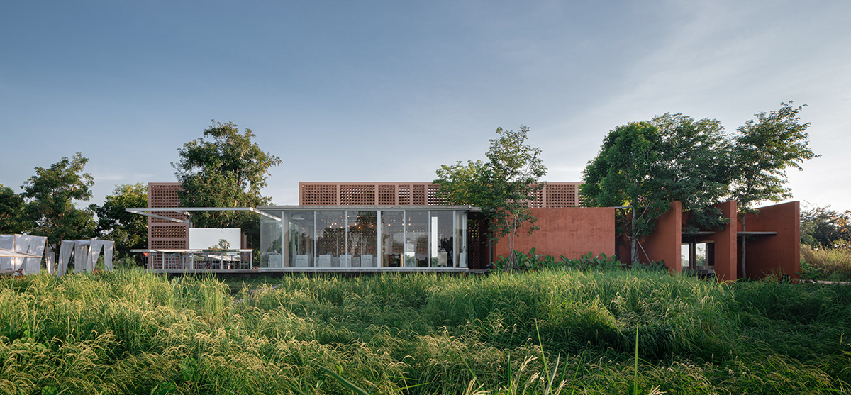 Adobe Portfolio architecture cafe