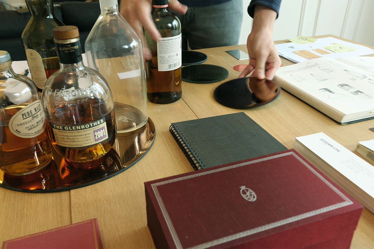 Whisky Edradour Packaging alcohol luxury black copper stamping bottle design