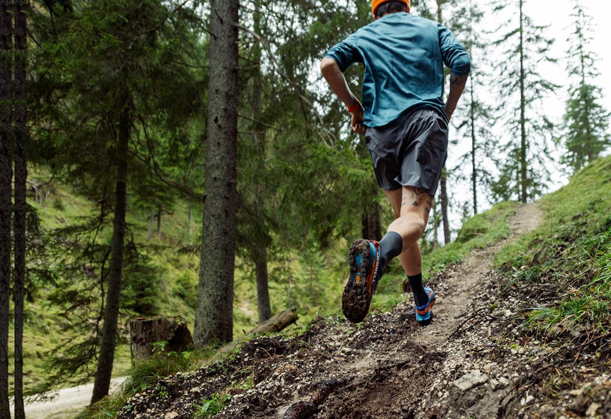 sport-fotograf-muenchen-fotoproduktion-carolinunrath-trailrunning-merrell