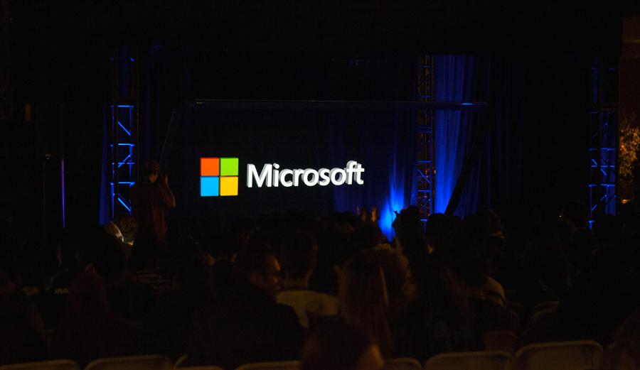 hologram holographic hacksc Microsoft vntana interactive