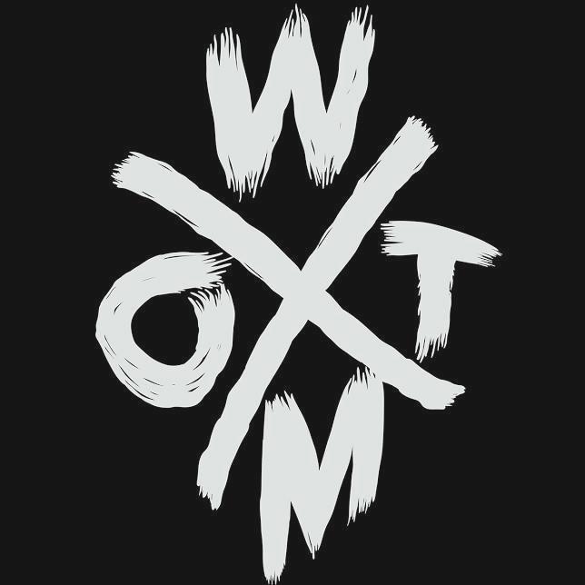 weonthemoon moon b+w band