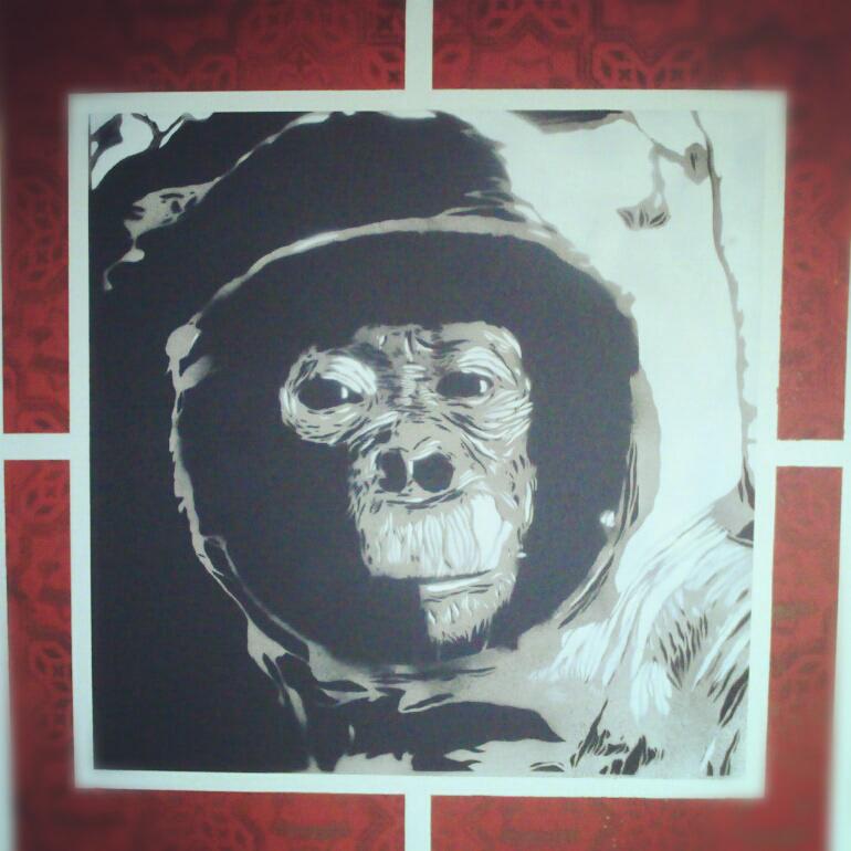 stencil spray canvas