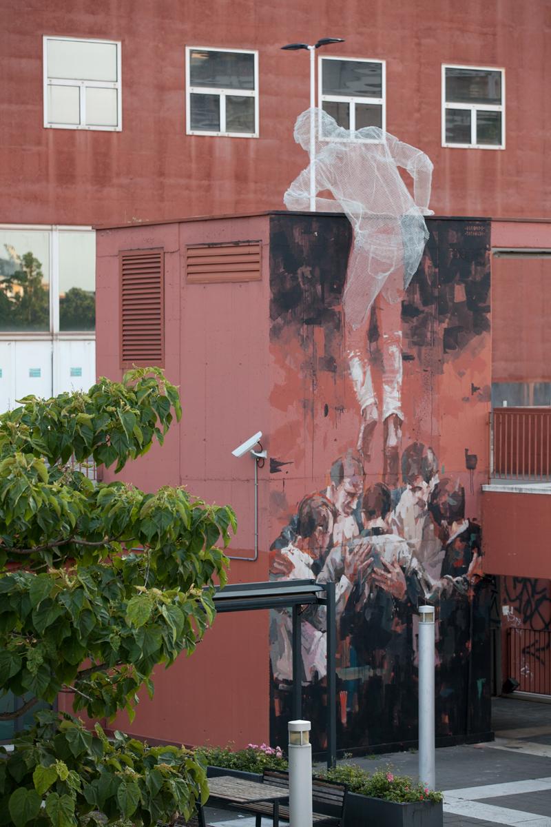 milano Chained wunderkammern Borondo streetart publicart
