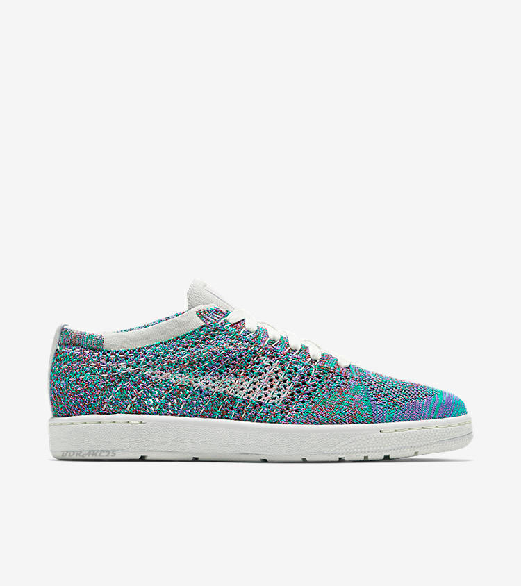 sports shoes 71636 021eb Or atleast a 12.5 in womens so I can get a pair. I really want Nike to  make more multi-color shoes with predominantly bluesgreenspurples  because I ...