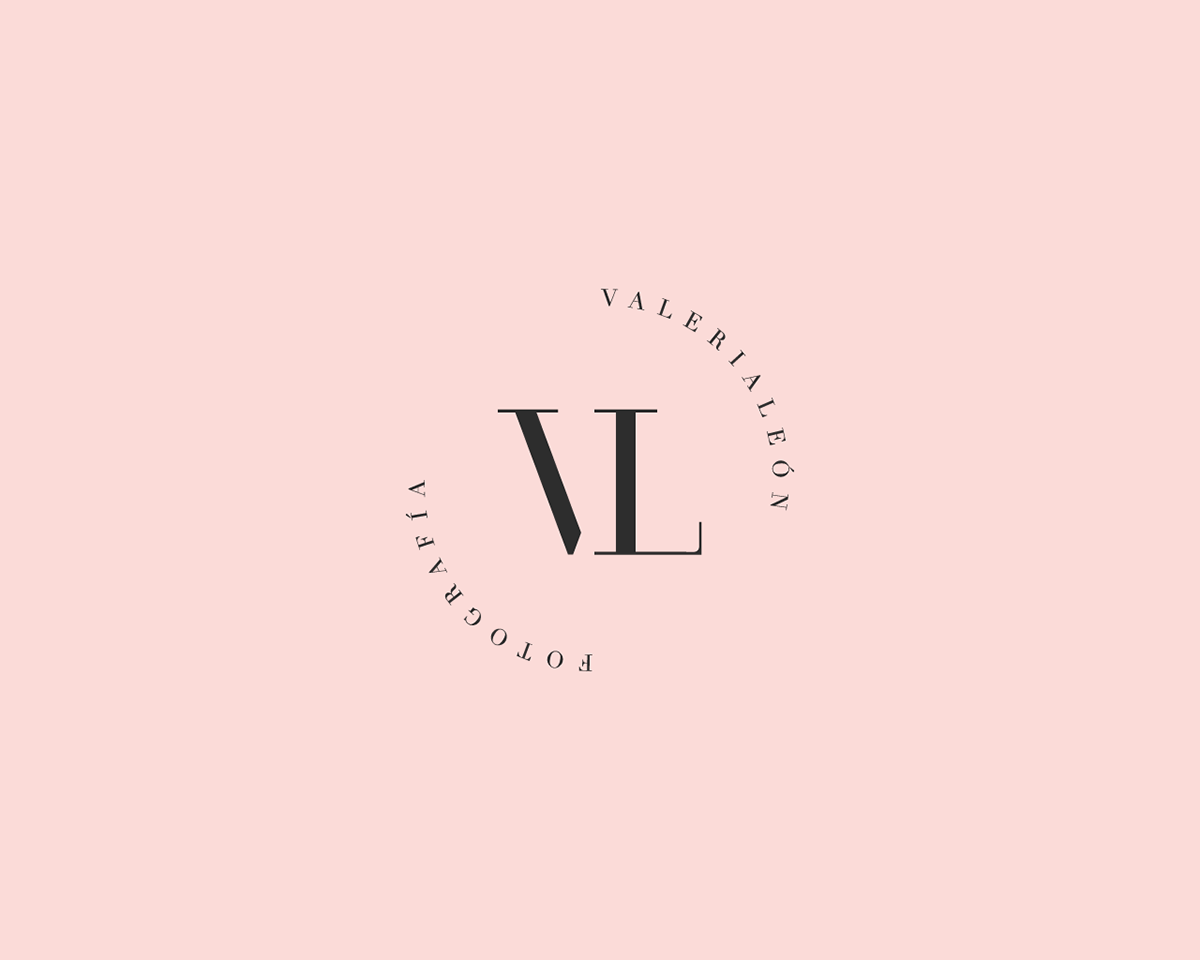 photographer logo photo sleek elegant monogram minimal pink