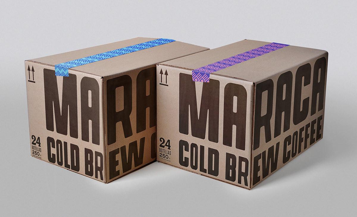 Krabice potištěna velkými písmeny.