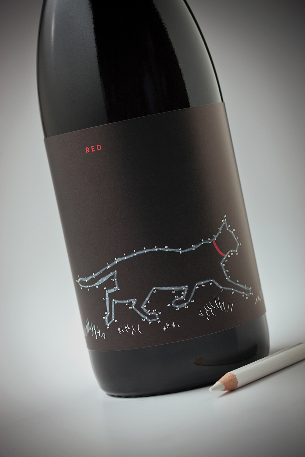 wine Cargill point written drawn Label red Cat dog Pet colored drink Alchlaol bottle gift