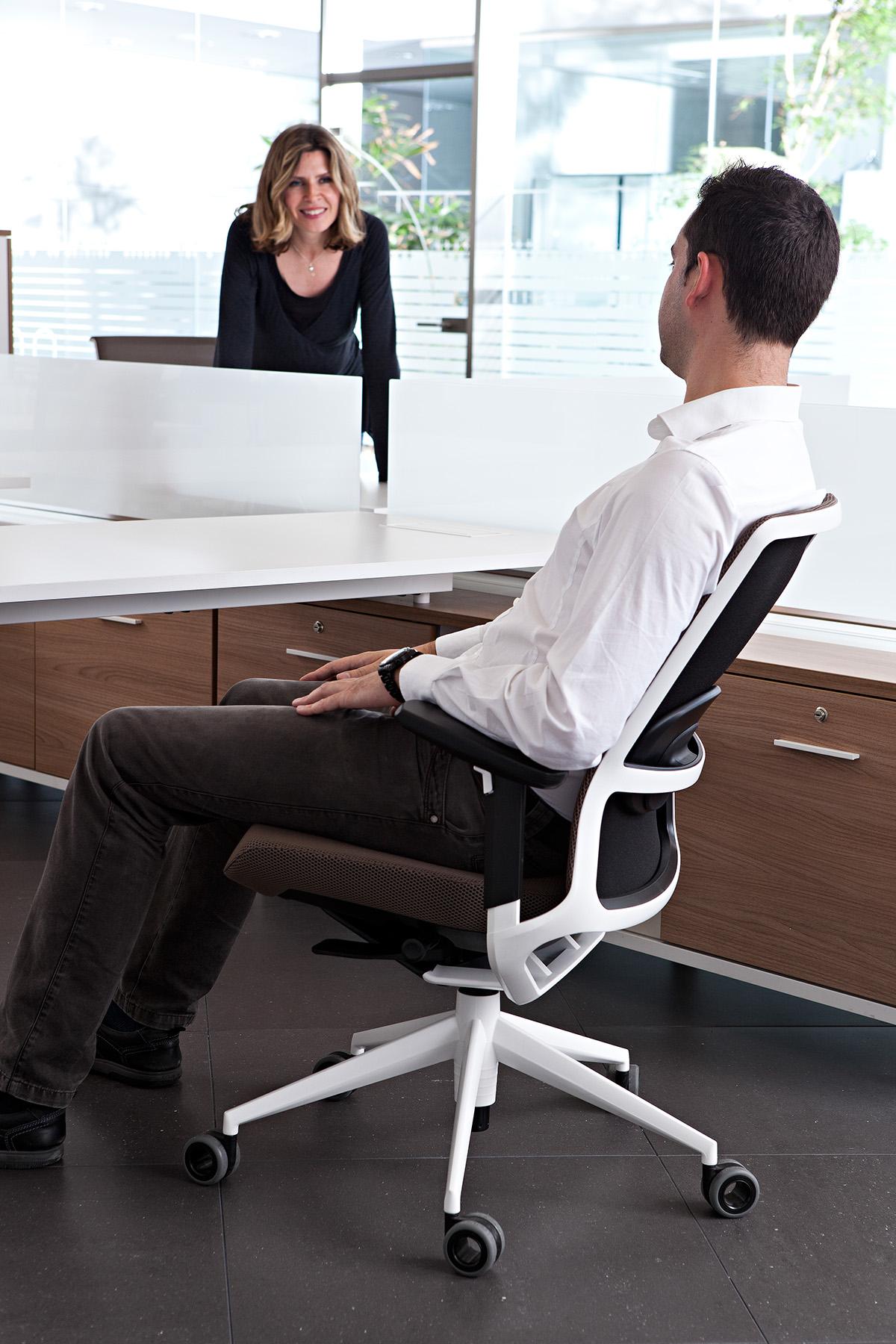 Tnk a500 by alegre design on behance for Sillas para oficina office max