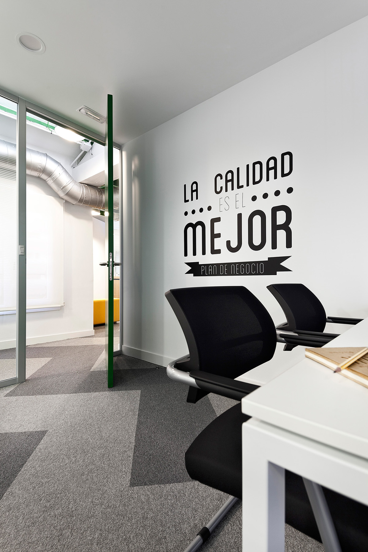 Siteground office space madrid on behance - Space madrid ...