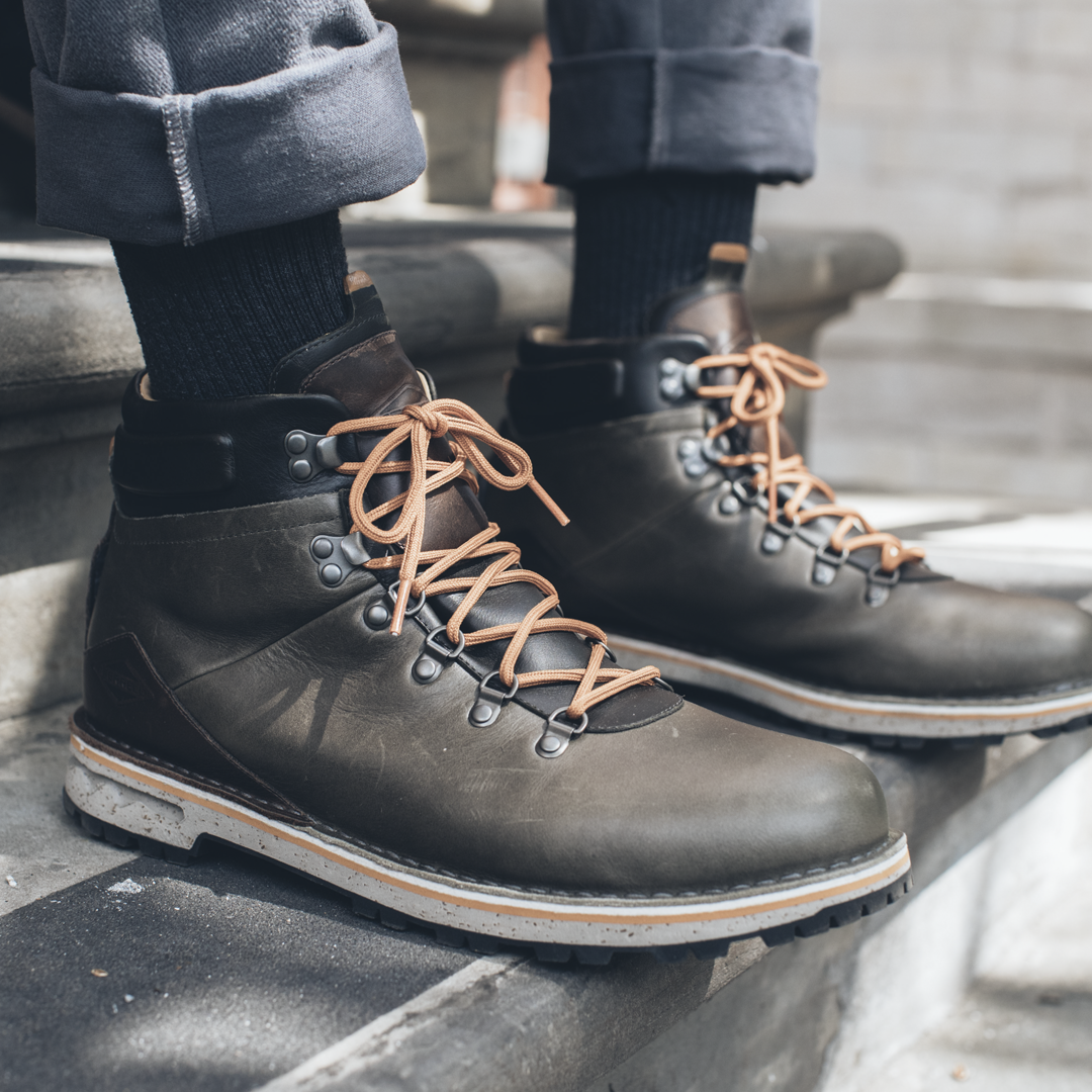 652a047931b3a Merrell Waitsfield Collection - Sugarbush on Behance