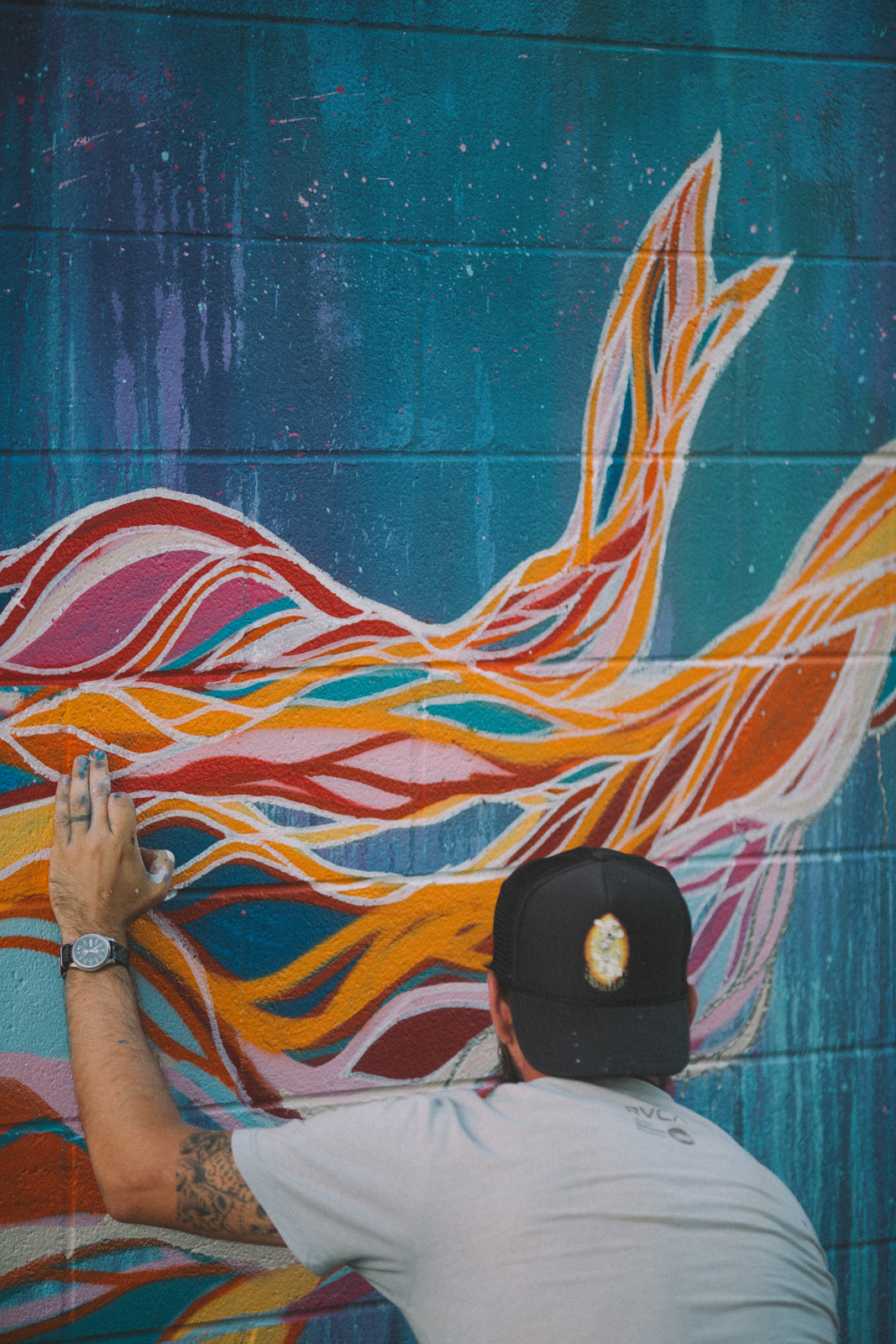 Chris Broy Painting The Witness at Pow Wow Hawaii