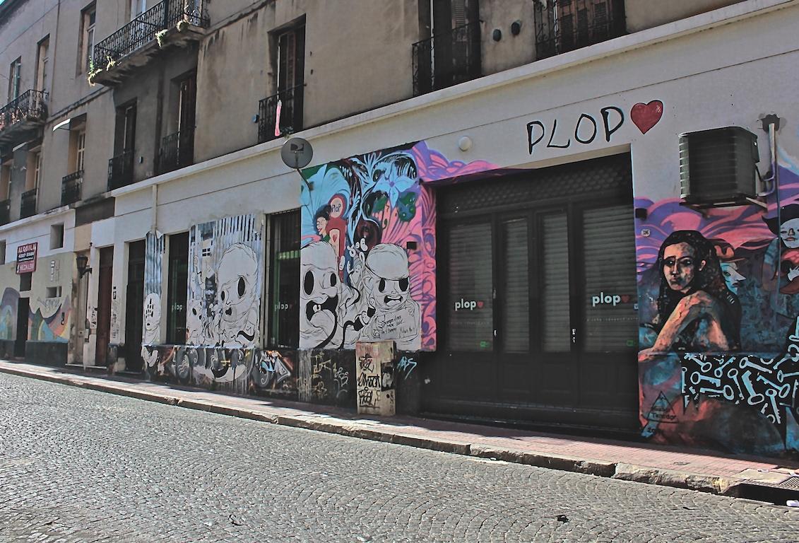 A/Z flaneur urban graffiti cordoba buenos aires argentina Street Art  Kilroy warhol Rosalind Krauss